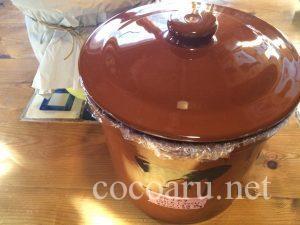 常滑焼の陶器で味噌仕込み