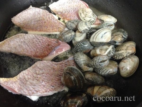 アサリと白身魚の塩麹レモン蒸し作り方