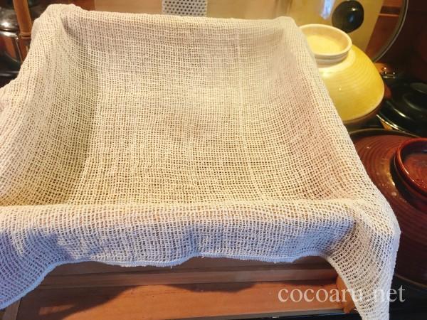 米麹の作り方!ヨーグルティア編:木のセイロに布を張る