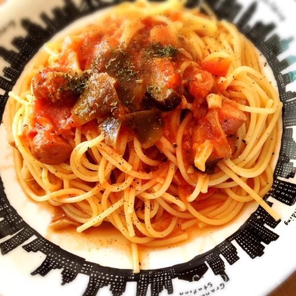 野菜とマルコメ塩麹のトマトパスタ