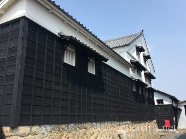 カクキュー八丁味噌 工場見学(見事な黒壁)