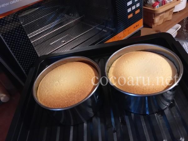塩麹ベイクドチーズケーキの作り方(オーブンに入れ焼き上がったところ・ばあば誕生日バージョン)